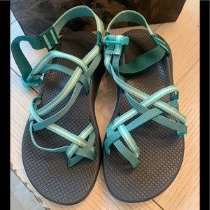 Brand new, never worn women's chacos